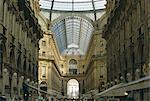 Upmarket shopping, Vittorio Emanuele II Arcade, Milan, Lombardie (Lombardie), Italie, Europe