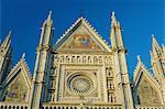 Rosace par Orcagna datant du XIVe siècle dans la haute façade du Duomo (cathédrale), Orvieto, en Ombrie, Italie, Europe