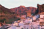 Maisons de village blanchi à la chaux, au coucher du soleil, Cazorla, Jaén, Andalousie (Andalousie), Espagne, Europe