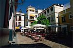 Restaurant en plein air dans la Plaza de los Venerables, quartier de Santa Cruz, Séville, Andalousie (Andalousie), Espagne, Europe