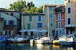 Restaurant and houses beside the Miroir aux Oiseaux canal, Martigues, Bouches-du-Rhone, Provence, France, Europe