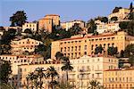 Bâtiments du front de mer donnant sur la vieille ville, Menton, Alpes-Maritimes, Côte d'Azur, Provence, Côte d'Azur, France, Europe