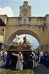 Anda passe arch, La Merced, le vendredi Saint, Antigua, Guatemala et Amérique centrale