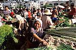 Vendeur de légume, Bazar och, Bichkek, Kirghizistan, Asie centrale, Asie