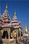 Kakusandha Adoration Hall, de la pagode Shwedagon, Yangon (Rangoon), Myanmar (Birmanie), Asie