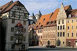 Bâtiments carrés de marché dans la ville médiévale de Cheb, Bohemia, République tchèque, Europe