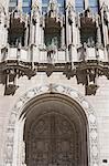 Entrée de style gothique fleuri à la Tribune Tower, Chicago, Illinois, États-Unis d'Amérique, l'Amérique du Nord