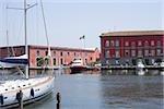 Voilier amarré dans un port, Porto, Borgo Marinaro, baie de Naples, Naples, Province de Naples, Campanie, Italie