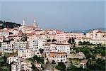 Vue grand angle d'une ville, Vietri sul Mare, Costiera Amalfitana, Salerno, Campanie, Italie