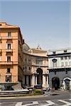 La fontaine en face d'un bâtiment, Galleria Umberto I, Naples, Province de Naples, Campanie, Italie