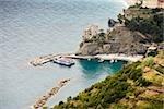 Vue grand angle de ferry dans la mer, la mer Ligurienne, Riviera italienne, Cinque Terre, La Spezia, Ligurie, Italie