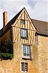 Vue d'angle faible d'une maison médiévale, Le Mans, Sarthe, Pays-de-la-Loire, France