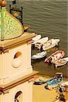 Vue en coupe haute d'une église, l'église de Sainte-Anne, Marina Grande, Capri, Sorrento, péninsule de Sorrente, Province de Naples, Campanie, Italie