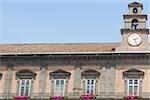 Vue d'angle faible d'un palais, le Palais Royal de Turin, Naples, Province de Naples, Campanie, Italie