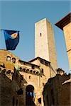 Vue d'angle faible d'une tour, Torri Di San Gimignano, San Gimignano, Province de Sienne, Toscane, Italie