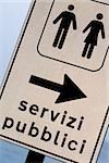 Gros plan d'un signe de toilettes publiques, Monterosso al Mare, La Spezia, Ligurie, Italie
