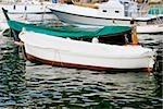 Péniches amarrées à un port, Riviera italienne, Gênes, Ligurie, Italie