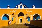 Fassade einer Kirche, Convento De San Antonio De Padua, Izamal, Yucatan, Mexiko