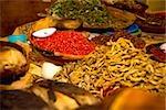 Épices à un étal de marché, Xochimilco, Mexique