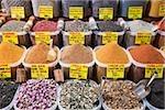 Kräuter und Gewürze im Markt