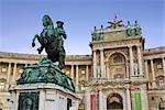 Palais de la Hofburg et la Statue du Prince Eugène de Savoie, Vienne, Autriche