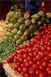 Produire des aliments dans le souk de la Medina, Casablanca, Maroc, Afrique du Nord Afrique