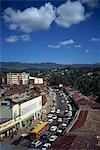 Vue aérienne sur la scène de rue à Addis-Abeba, Ethiopie, Afrique