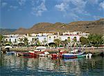 Bunte Fischerboote und Hütten in das alte Hafengebiet Puerto de Morgan, Gran Canaria, Kanarische Inseln, Spanien, Atlantik, Europa