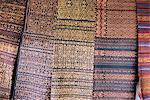 Tissages traditionnels ikat, Village de Bena, Flores, Indonésie, Asie du sud-est, Asie