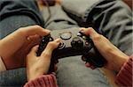 Man adaß eine Frau wie ein Joystick - Console - Spiel - unterhaltsam behandelt