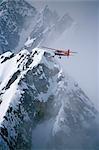 Antenne de l'appareil sur skis Talkeetna Air Taxi Dehavilland Beaver Kahiltna Glacier Parc de Nat Denali en Alaska