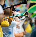 Zwei Vuvuzelas, wird geblasen ein Fußballspiel, Gauteng, Südafrika