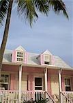 Pastel de style colonial peint maison, Dunmore Town Harbour Island, Eleuthera, Bahamas