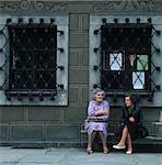 Femme avec panier., Phnom Penh, Cambodge.