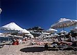 À l'instar des parasols à la ville, Rhodes, îles du Dodécanèse, Grèce.