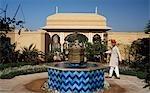 Cour de l'hôtel Rajvilas (groupe Oberoi), Jaipur, Rajasthan, Inde.