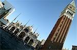 Venise, Italie. 99 M de haut clocher (Campanile) et la basilique San Marco sur la Piazza San Marco