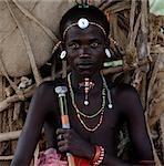 tribesman en costume traditionnel, Kenya