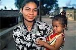 Femme avec enfant, Ilha Do Mozambique, Mozambique