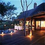 Romantique patio avec lanternes, Luxury safari lodge, Boulders Singita, Afrique du Sud