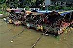 Long-tail boat sur la rivière Chao Phraya, Bangkok