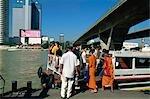 Embarcadère de ferry le long de la rivière Chao Phraya, Bangkok