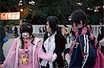 Filles habillées à Harajuku, Tokyo, Japon
