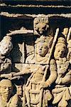 Sculpture sur la Frise sur le mur extérieur du temple bouddhiste, Borobudur (Borobudur), Java, Indonésie en relief