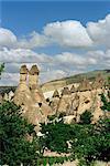 Érosion avec piliers en tuf volcanique près de Göreme, Cappadoce, Anatolie, Turquie, Asie mineure, Asie