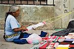 Tissage sur rue, la ville d'Oaxaca, Oaxaca, Mexique, Amérique du Nord