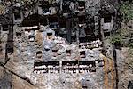 Effigies des morts à la recherche de tombes falaise Lemo, zone de Toraja, l'île de Sulawesi, en Indonésie, Asie du sud-est, Asie