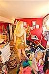Teen girl in room salissante