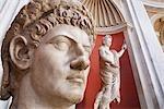 Sculptures à l'intérieur du Musée du Vatican, cité du Vatican, Rome, Italie