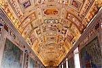 Plafond à l'intérieur du Musée du Vatican, cité du Vatican, Rome, Italie